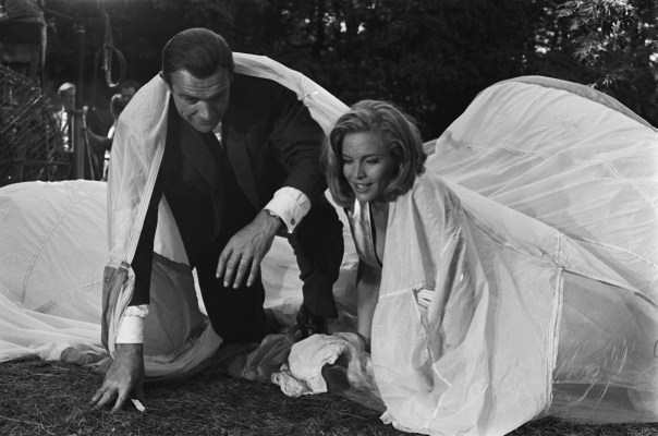 Production photo of Sean Connery and Honor Blackman, with Bond's plain Gruen dress watch visible on Connery's left wrist.