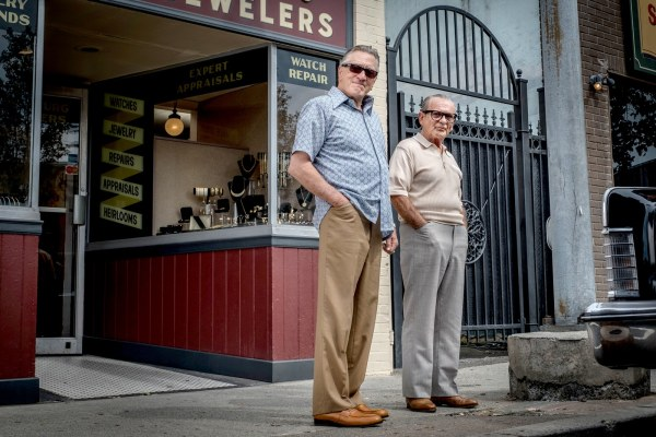 Robert De Niro and Joe Pesci on the set of The Irishman. This same photo would be used for an on-screen snapshot shown to be among Frank Sheeran's mementos.