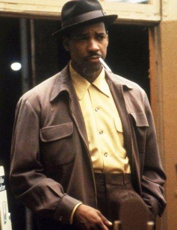 Denzel Washington as Easy Rawlins in Devil in a Blue Dress (1995)