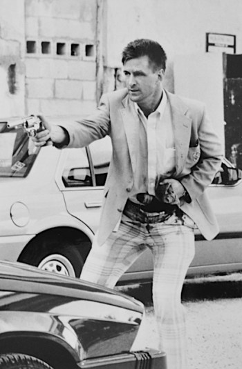 Alec Baldwin in Miami Blues (1990)