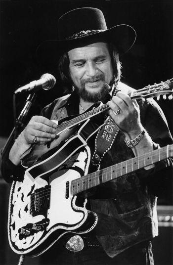 Waylon Jennings, 1984