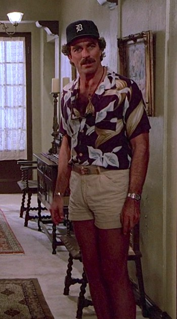 """Tom Selleck as Thomas Magnum on Magnum, P.I., Episode 4.12: """"The Case of the Red-Faced Thespian"""""""