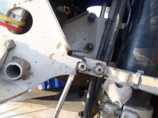Kev's front fairing bracket snapped!