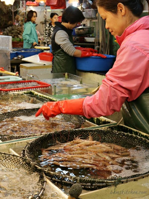 Aberdeen Wet Market Hong Kong - Bam's Kitchen