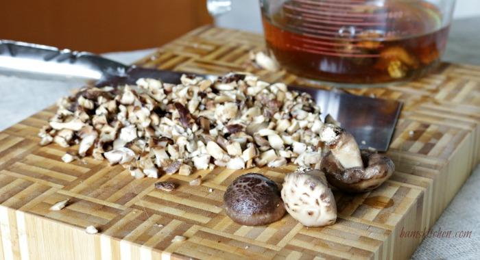 Chinese mushrooms / http://bamskitchen.com