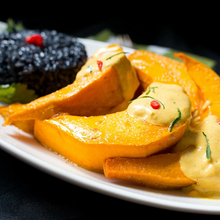 Roasted Kabocha Squash with Curried Sauce / http://bamskitchen.com