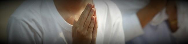 banner-praying-454913_1920