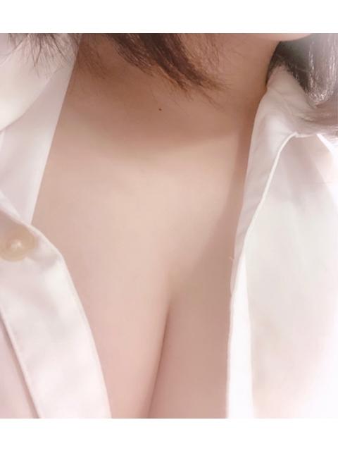 新橋いちゃキャバ・JK制服キャバクラ【ハイスクールbanana】 ありさ 12/23胸元はだけ