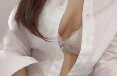 新橋いちゃキャバ・JK制服キャバクラ【ハイスクールbanana】 りか 1/10胸元はだけ