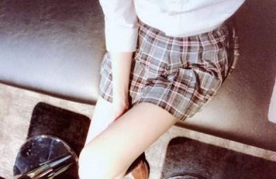 新橋いちゃキャバ・JK制服キャバクラ【ハイスクールbanana】 まりあ 生脚スカート