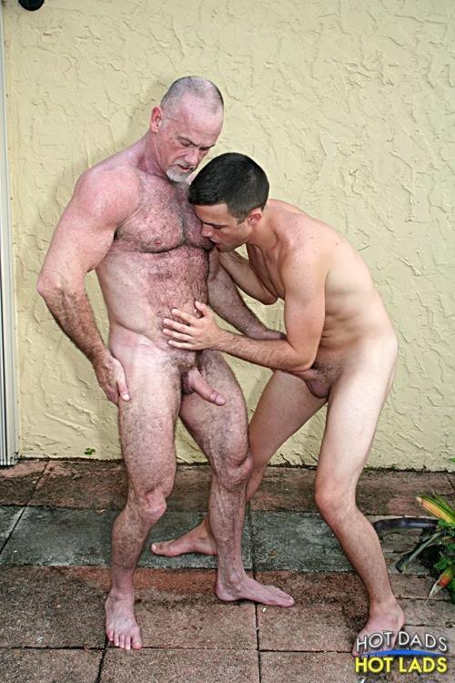 Mickey Collins and Derek Scott  Jake Cruise  BananaGuide