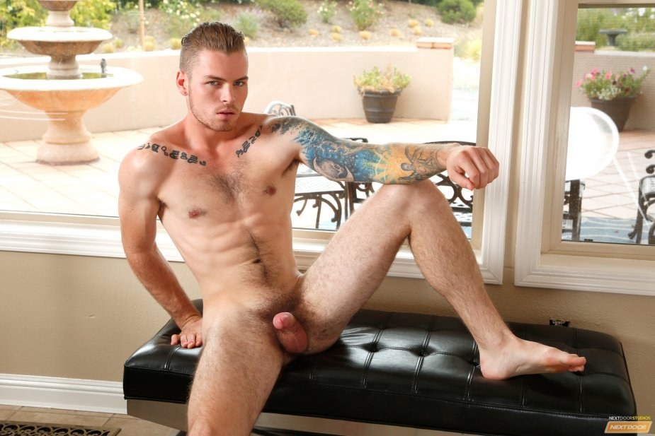 Mark Long fucks Zane Porter  Next Door World  BananaGuide