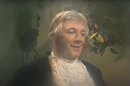 Georgiy Shtil, caracterizado como Bilbo Bolsón de El señor de los anillos