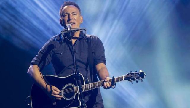 """""""Dustland"""" es la primer colaboración de Bruce Springsteen y The Killers."""