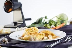 Gemüsestrudel mit Champignonsoße