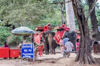Elephant riders at Phnom Bakheng