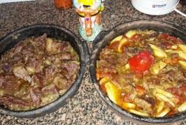 طريقة عمل طاجن اللحم بالبصل وبالبطاطس