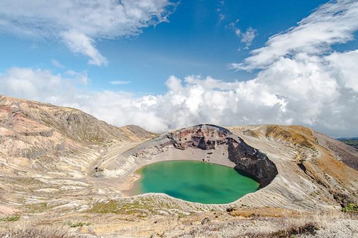 日本東北藏王御釜:萬年火山的魔法寶石淚,神秘綠火山湖-仙台、山形出發交通方式/自駕點/開放時間