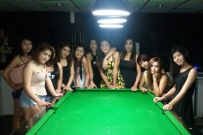 One bar Ban Chang pool room