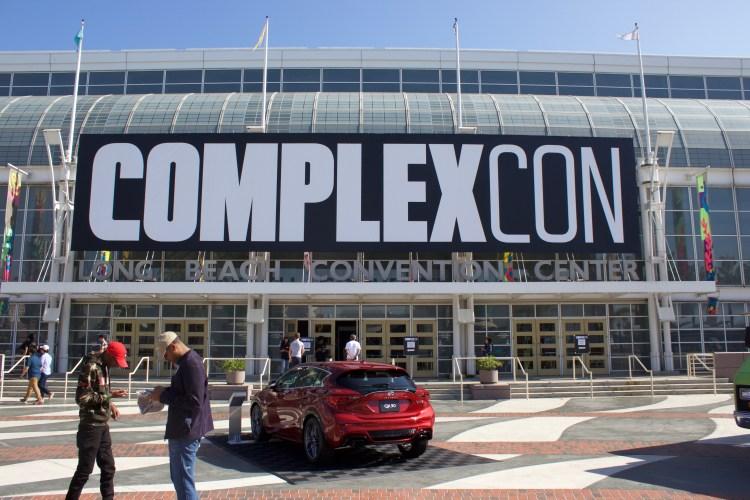 Complex Con: Simple Mission