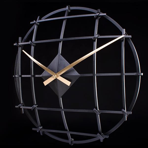Настенные часы B&B