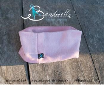Dies rosa Schlafmaske ist weich und kuschelig, bei gleichzeitig guten Verdunklungseigenschaften