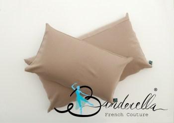 Ergonomisches Kissen gegen Nackenverspannungen und Schlaffalten mit Füllung aus Mikroperlen und Kaltschaum