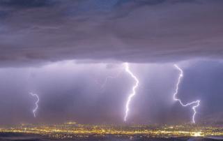 monsoon season brings heavy rain to arizona