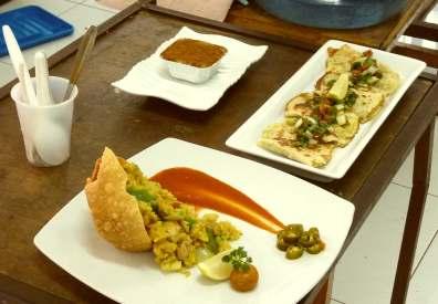 Espana Original dengan menu: Quesadilla con carne, Paella con pollo, Arroz con leche