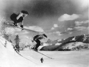Skiining in Banff National Park and the Canadian Rockies: the Wurtele Twins