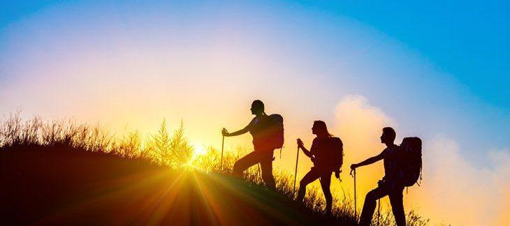 Difference hiking trekking backpacking mountaineering