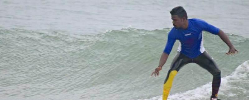 Pravin Kumar - Surfing - Chennai