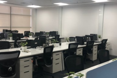 20,670 Sq Ft Furnished Office Space for Rent in Embassy Golf Links-min