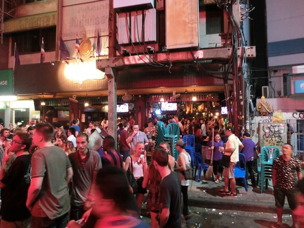 Khaosan road disco dancer