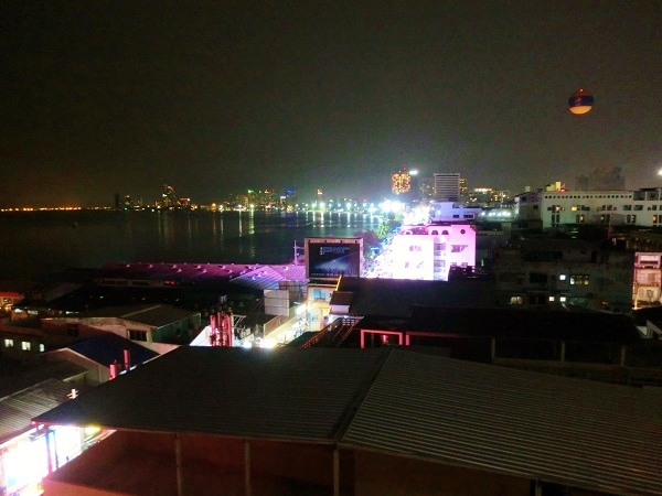 walking street from Grand Hotel Pattaya night view