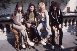 Sweet Lady Full Song Lyrics - A Night at the Opera - Queen