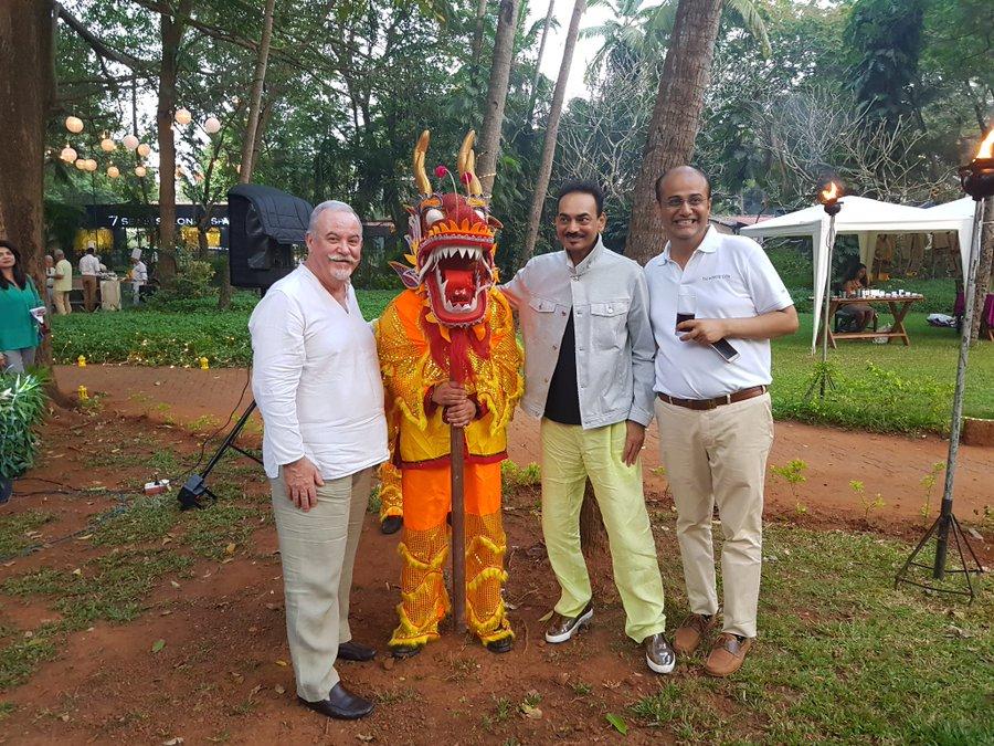 Wendell Rodricks and Jerome Marrel in Goa ছুটিতে সঙ্গীর সঙ্গে ওয়েন্ডেল
