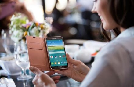 """Telefoanele nu mai sunt utilizate pentru """"a da telefoane"""" – alte 5 actiuni mai frecvente decat efectuarea apelurilor"""