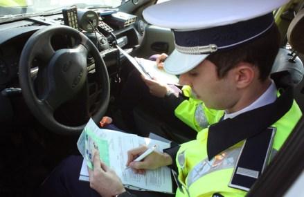 Poliţia i-a luat permisul unui german, participant la cursa bolizilor de sute de euro, Gumball 3000