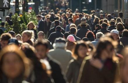 Pentru prima oară ZF prezintă distribuţia detaliată a salariilor din România. 34.000 de angajaţi câştigă peste 10.000 lei net pe lună. La polul opus, 70% dintre salariaţi câştigă sub 1.700 de lei lunar, salariul mediu pe economie