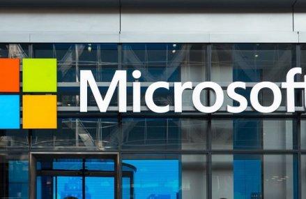 Gigantul Microsoft a fost lovit de coronavrius: Compania lui Bill Gates a avertizat că vânzările ar putea fi afectate din cauza epidemiei