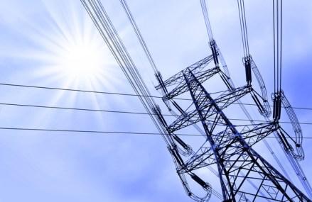 Scurtcircuit în energie. Consumul va scădea cu 10% în aprilie şi mai, cele mai abrupte reduceri lunare din 2009