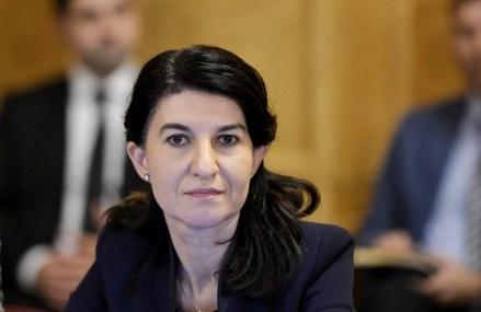 """Violeta Alexandru, ministrul Muncii: Nu văd Inspecţia Muncii pe teren. """"O lună"""" este ultimul termen pentru a schimba lucrurile"""