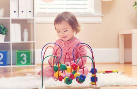 Ce mobilier să alegem pentru camera bebelușului – când și cum