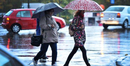 România sub imperiul ploilor: ANM a emis cod galben de ploi pentru jumătate din ţară