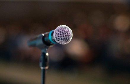 3 modalitati prin care poti scapa de teama vorbitului in public