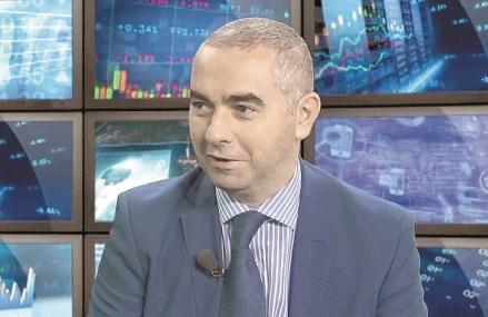 Ciprian Dascălu, economistul-şef al BCR la ZF Live: Măsurile neortodoxe adoptate de băncile centrale, precum relaxarea cantitativă, cumpărările de titluri de stat, sunt absolut necesare pentru a susţine economia. BNR poate să mai reducă dobânda-cheie