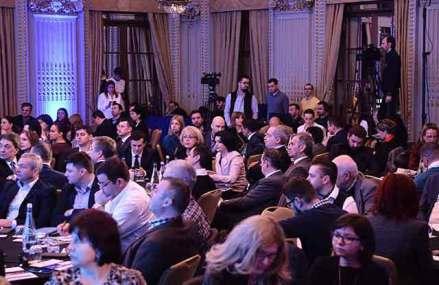 """Conferinţa ZF/Apa Nova """"Cum putem creşte competitivitatea companiilor româneşti?"""" Eficienţa unei companii se măsura în trecut doar în mulţumirea acţionarilor. Acum companiile competitive se uită la toţi stakeholderii – clienţi, angajaţi, autorităţi, acţionari"""