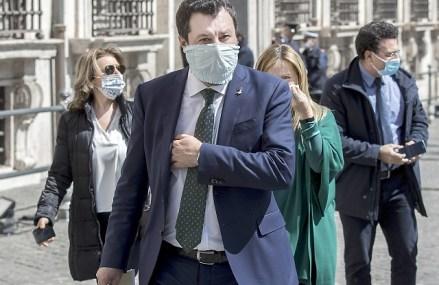 """Criza provocată de pandemia de COVID-19 lasă fără mijloace de trai oamenii care muncesc într-un segment al economiei care scapă din plasa de siguranţă socială: economia subterană. Guvernul italian promite că """"nu lasă pe nimeni în urmă"""""""