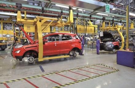 Ford nu prelungeşte contractele pentru 200 de angajaţi recrutaţi pe o perioadă limitată. Americanii au ajuns la peste 6.600 de angajaţi la Craiova la începutul acestui an după o amplă campanie de recrutare în 2019